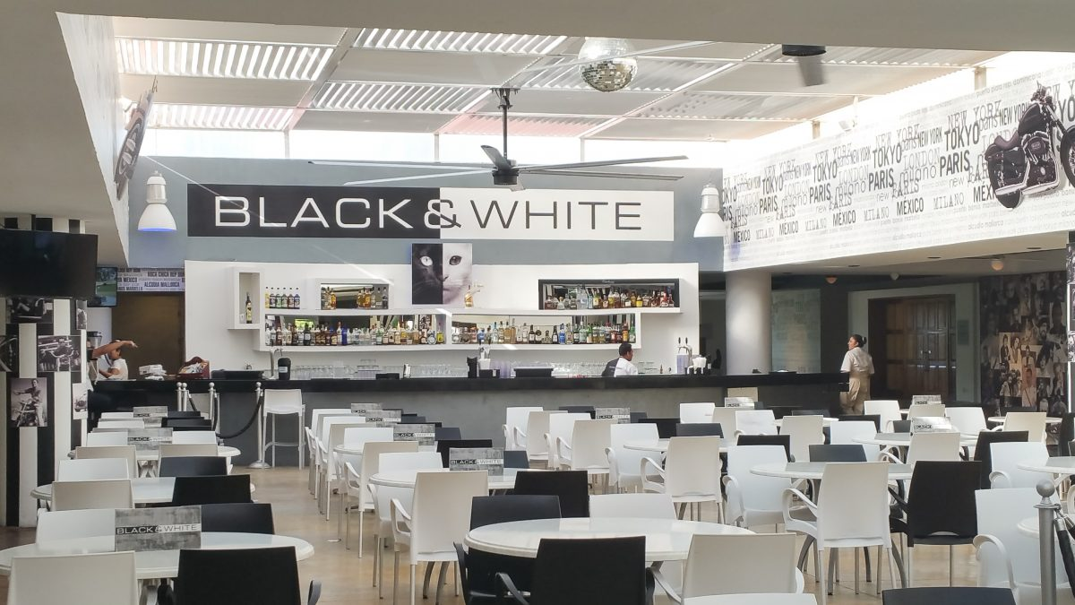 Black & White Bar